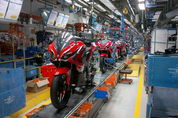 India's top two-wheeler makers complete BS-IV transition
