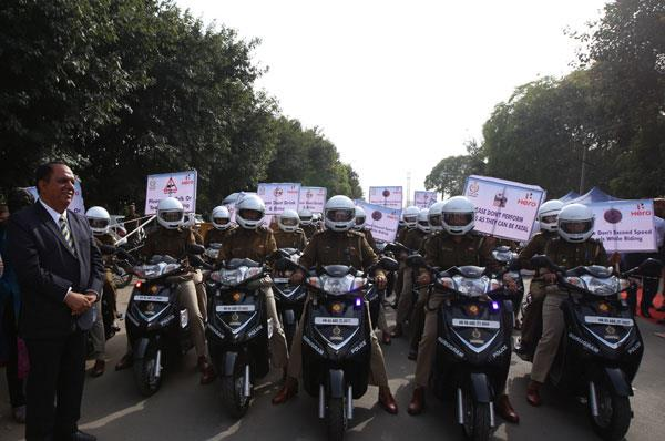 Hero presents 50 scooters to Gurugram women police