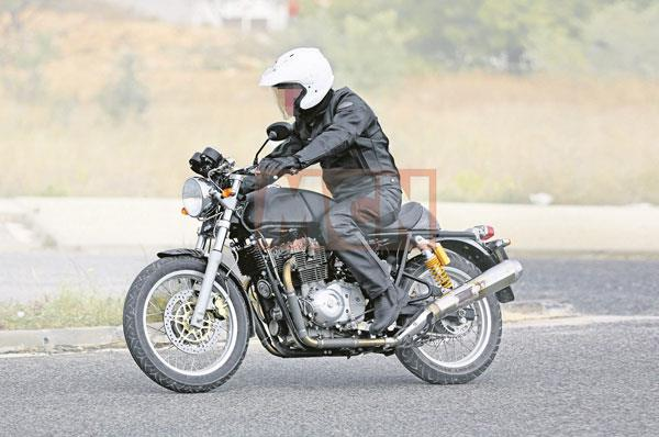Royal Enfield Continental GT 750 final version spied in UK