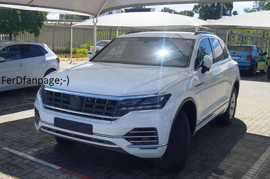 2017 VW Touareg spied undisguised
