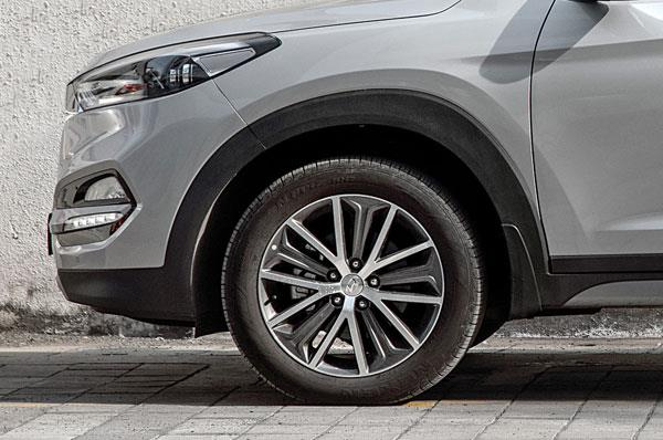 Short suspension travel limits off-road use.