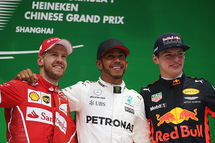 Hamilton hits back with Chinese GP win