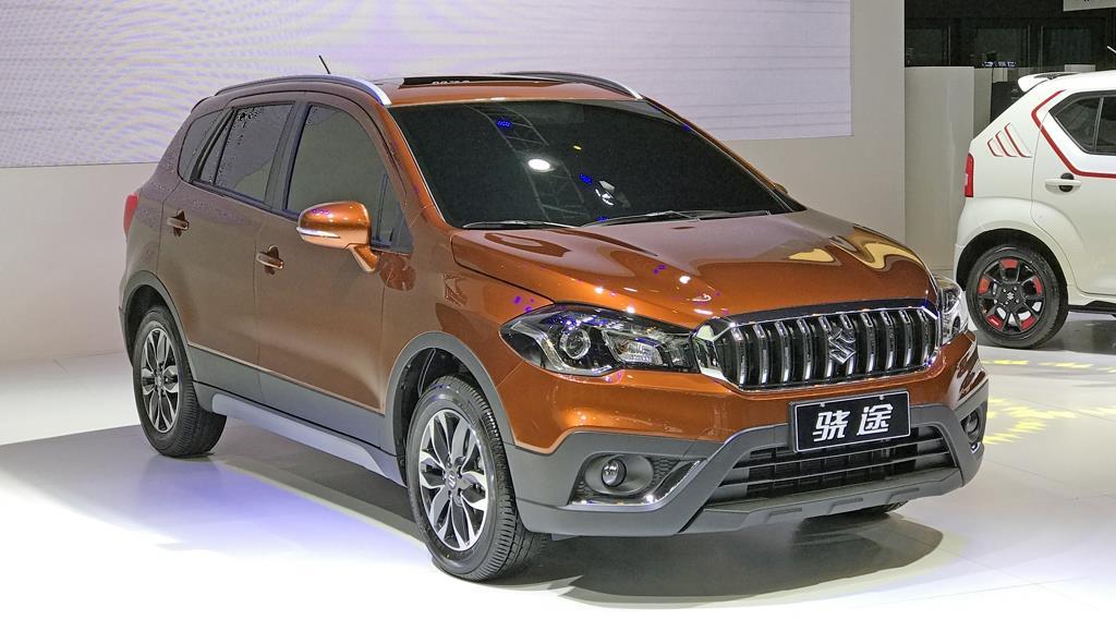 Suzuki S-cross facelift showcased at Shanghai