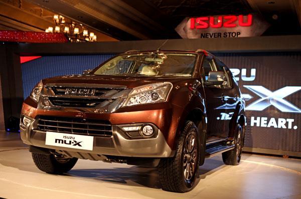 2017 Isuzu MU-X launched at Rs 23.99 lakh