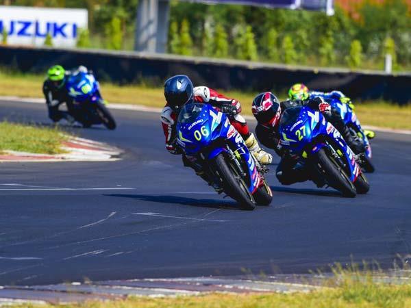 Suzuki Gixxer Cup part of 2017 JK Tyre National Racing C'ship