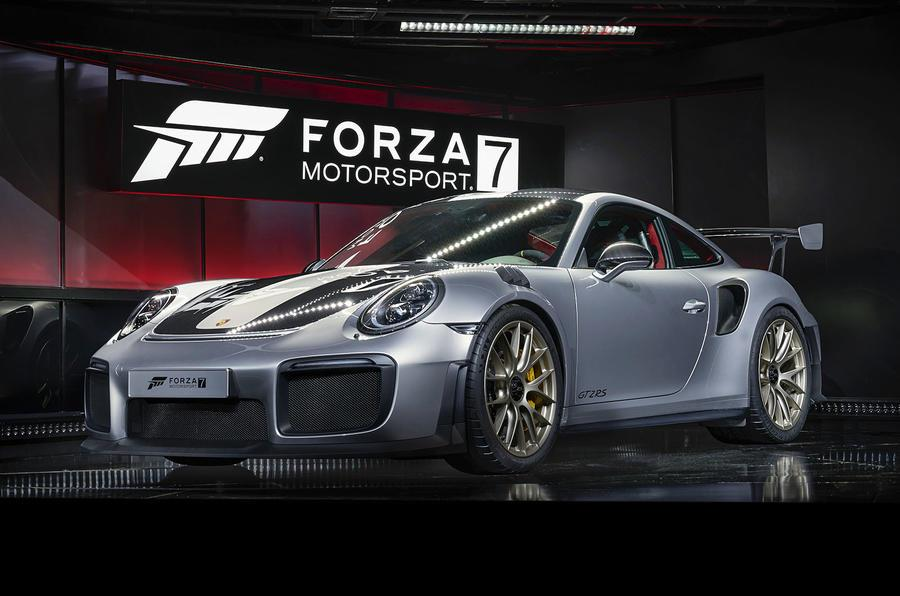 2017 Porsche 911 GT2 RS revealed