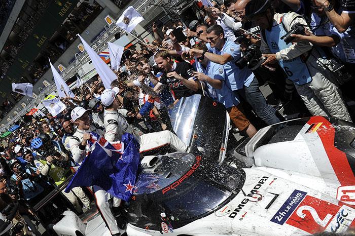 Porsche defeats LMP2 cars to win 2017 Le Mans