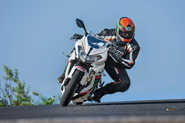 DSK Benelli 302R India bookings open