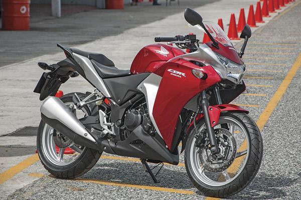 Honda CBR250R or KTM RC 390