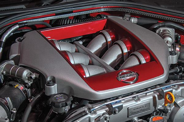 Making of the Nissan GT-R's heart
