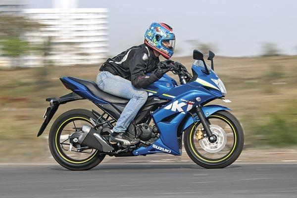 Bajaj Pulsar AS 150, Suzuki Gixxer, or Yamaha FZ V2.0