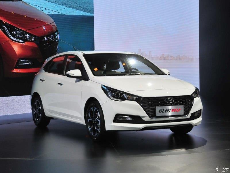New Hyundai Verna hatchback image gallery