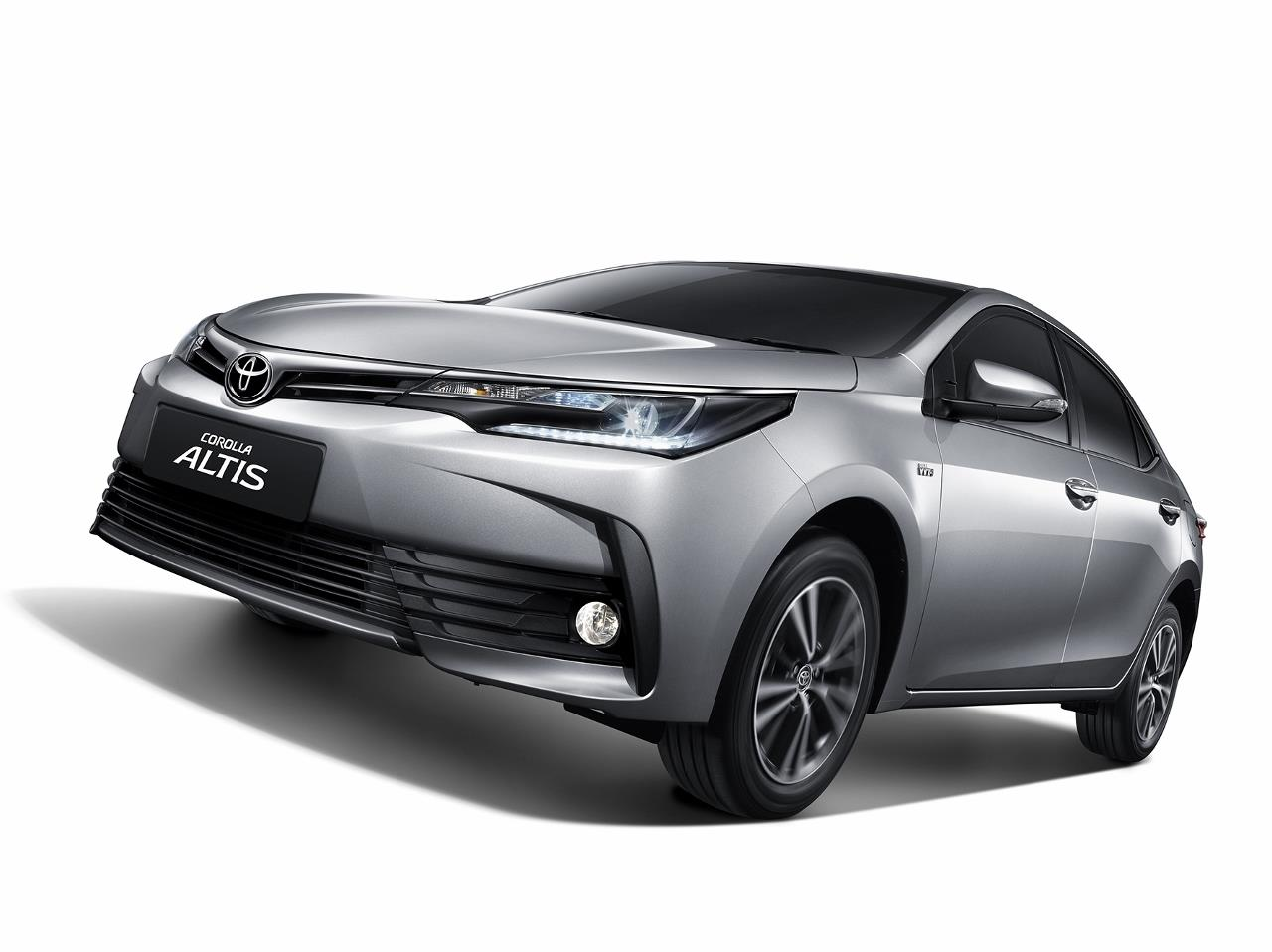 2017 Toyota Corolla Altis facelift photo gallery