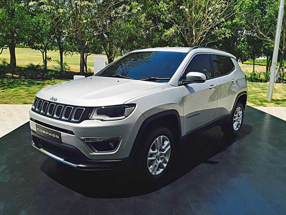 India-bound 2017 Jeep Compass image gallery