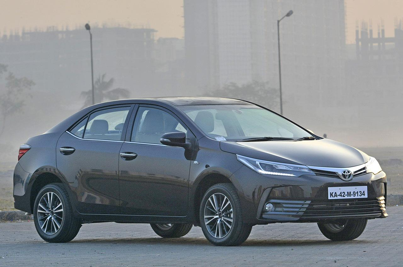 2017 Toyota Corolla Altis facelift image gallery