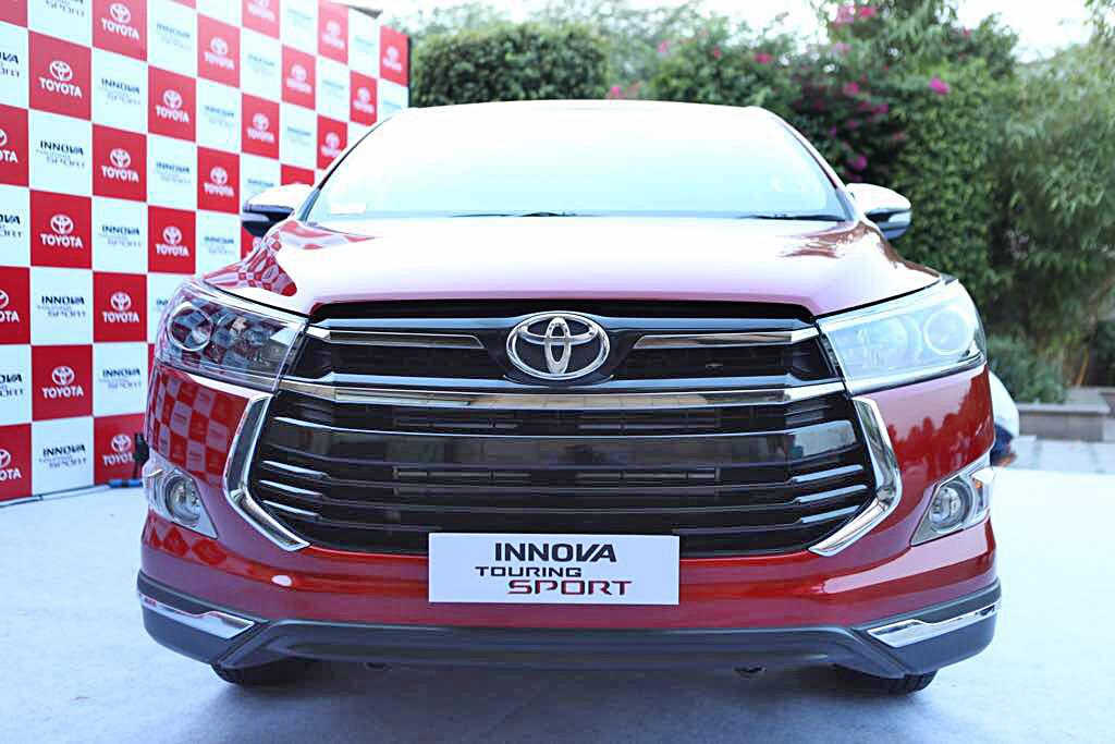 2017 Toyota Innova Touring Sport image gallery