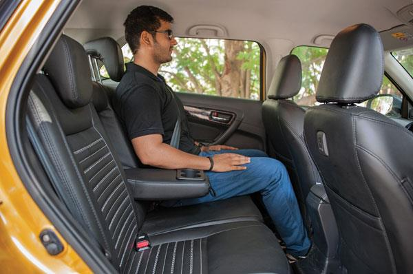 honda wr v vs hyundai i20 active vs maruti vitara brezza comparison autocar india. Black Bedroom Furniture Sets. Home Design Ideas