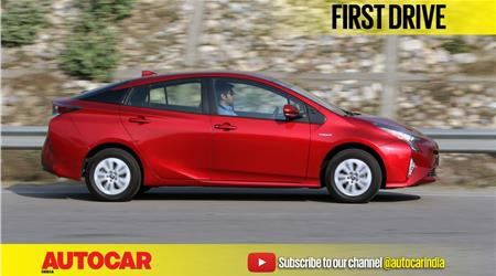 2017 Toyota Prius video review