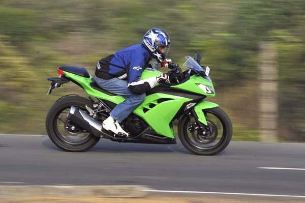 Kawasaki Ninja 300 Video Review Autocar India