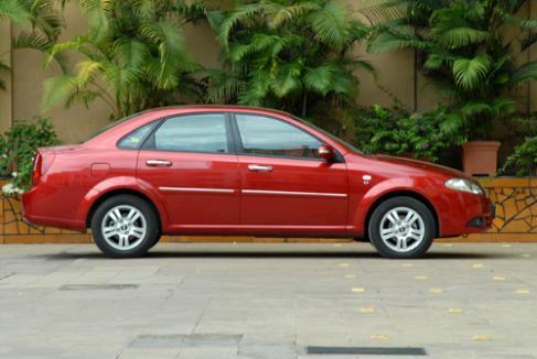Chevrolet Optra Magnum TCDi - Autocar India