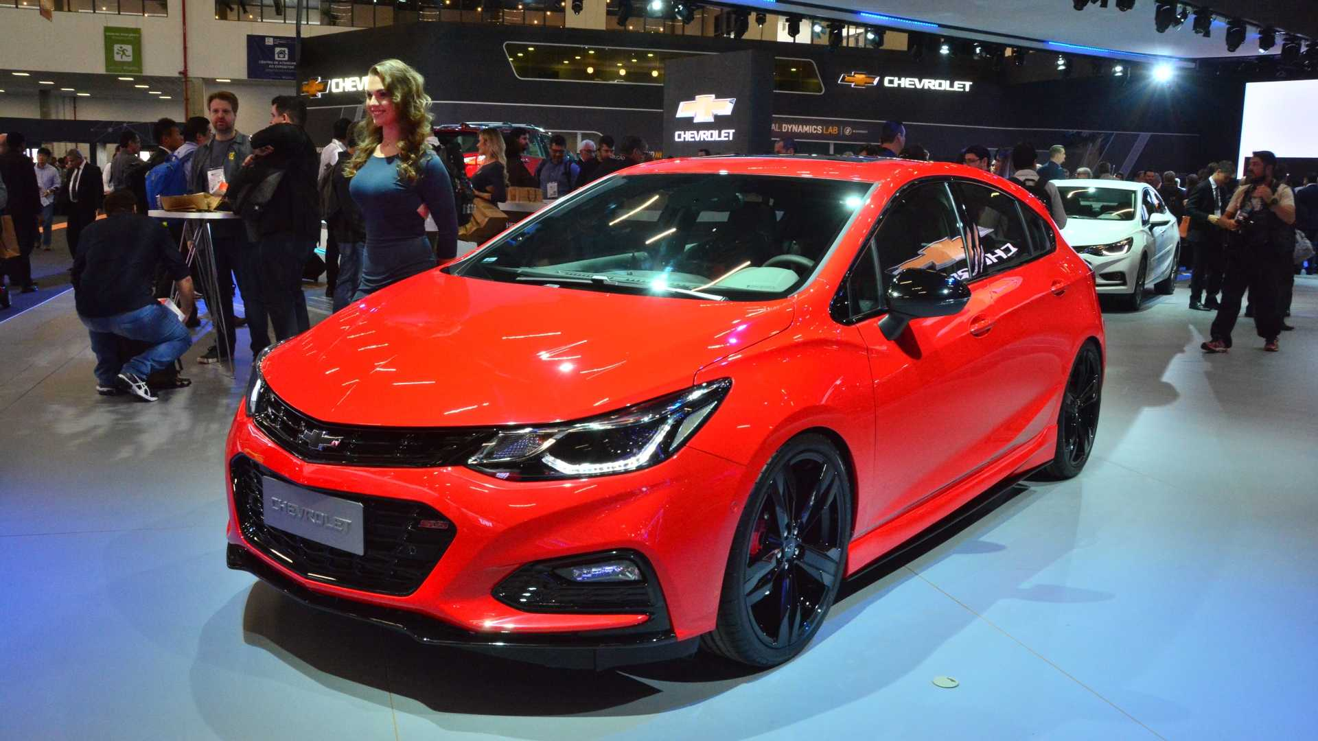 Chevrolet Cruze Sport6 SS concept unveiled at Sao Paulo ...