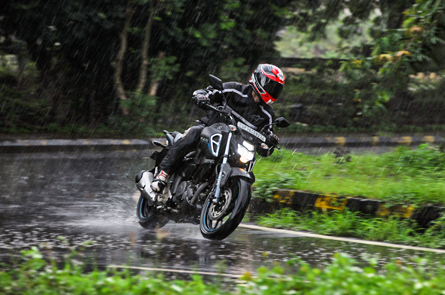 2019 Yamaha FZ-S V3 clear images with ABS and full LED