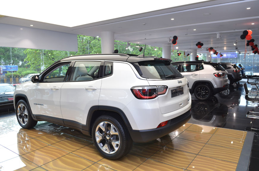 Over Rs 2 lakh off on Jeep Compass in December 2019