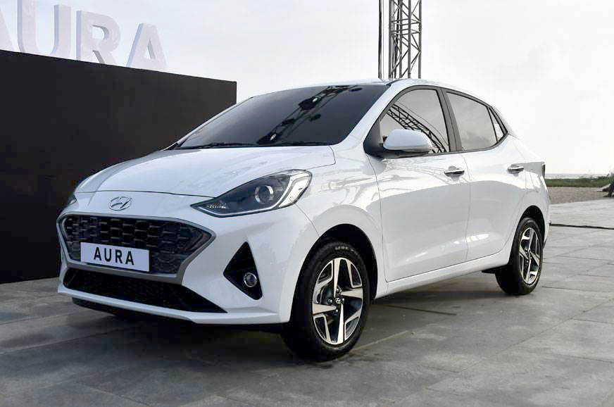 Hyundai Aura to come in 12 variants; bookings open