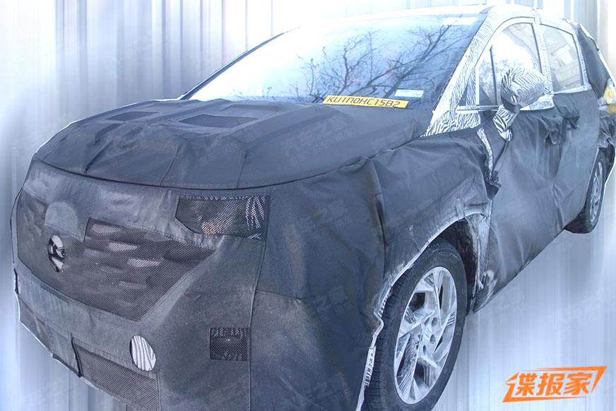 Hyundai readying Kia Carnival-based MPV