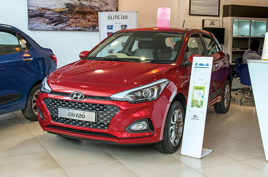 Discounts of up to Rs 1.1 lakh on BS6 Hyundai Elantra, Nios, i20 and more