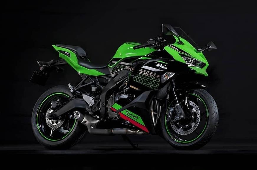 New Kawasaki Ninja ZX-25R teaser hints at excellent performance