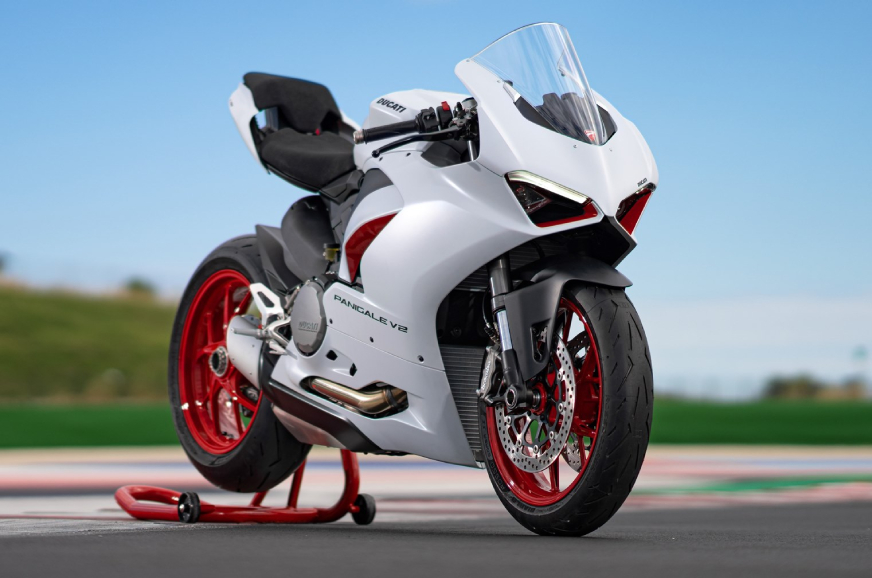 Ducati Panigale V2 with White Rosso livery unveiled