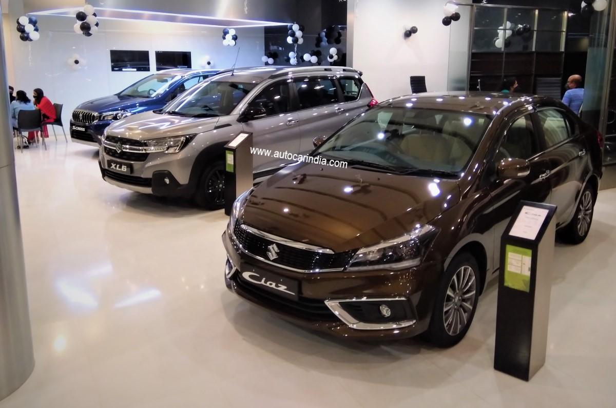 20201012065209 2020 Maruti Ciaz S cross XL6 showroom Up to Rs 62,200 off on Maruti Suzuki Nexa cars in October 2020