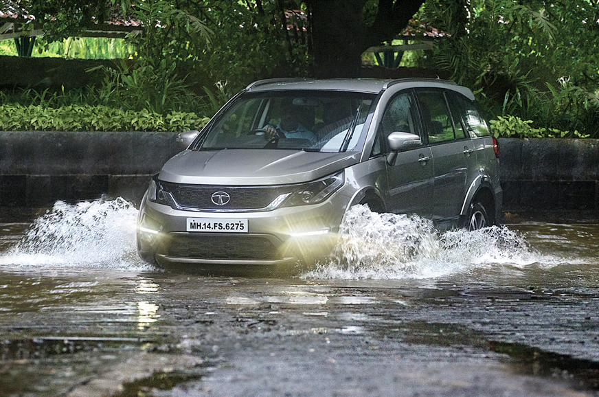 5 essential tips for driving through floods