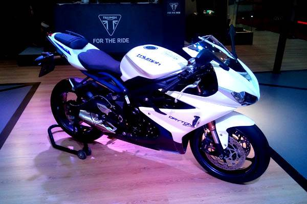 Auto Expo 2014 Triumph Daytona 675 Launched Autocar India