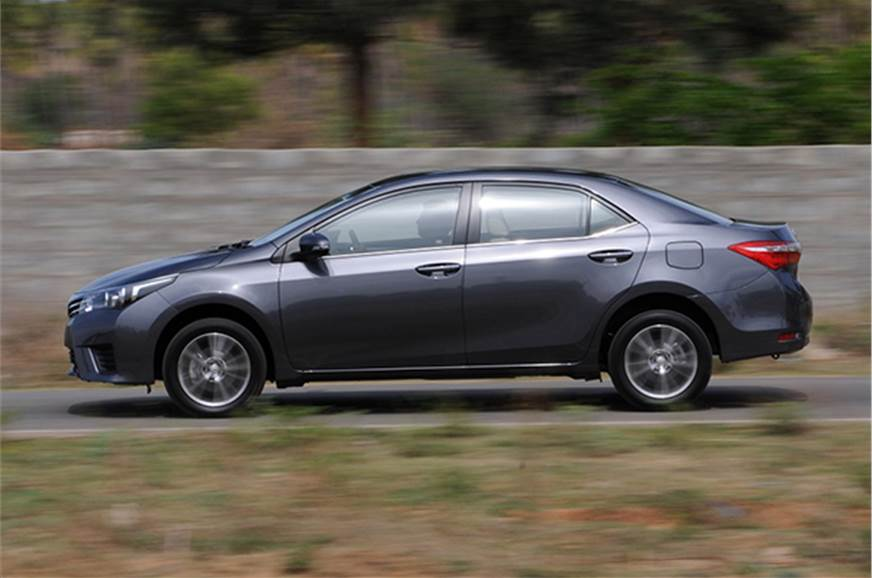 New Toyota Corolla Altis India Review - First Drive