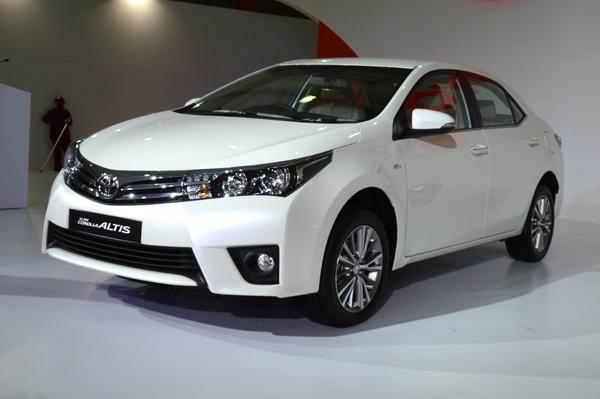 New Toyota Corolla Altis Versus Rivals Price Comparison Autocar India