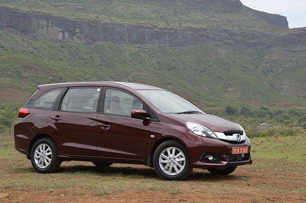 Honda Mobilio Vs Maruti Ertiga Vs Enjoy Vs Evalia Price Comparison