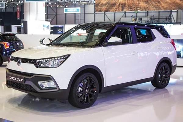 Ssangyong Tivoli Xlv Revealed At Geneva Motor Show 2016 Autocar India