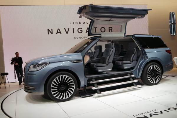 Lincoln Navigator Suv Concept Showcased In New York Autocar India