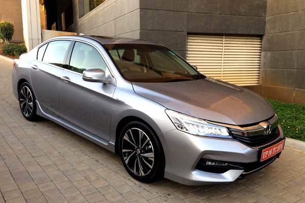 Honda Accord Price >> Honda Accord Hybrid Price Review And Features Autocar India
