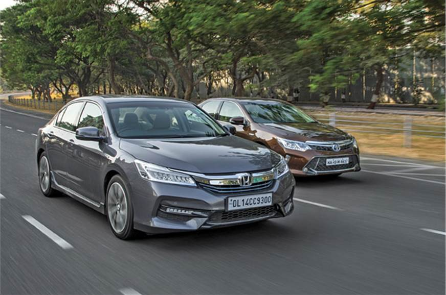 Accord Vs Camry >> Honda Accord Vs Toyota Camry Hybrid Comparison Autocar India