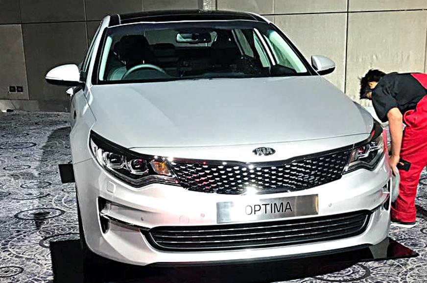 Kia kicks off its dealer roadshows in india autocar india for H and r auto motors