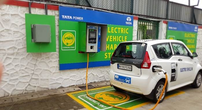 Electric Vehicle Charging Stations >> Mumbai Gets Its First Electric Vehicle Charging Station Autocar India