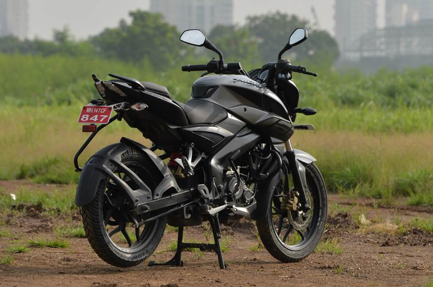 Amazing Bajaj Pulsar Ns160 Vs Yamaha Fz S Fi Vs Suzuki Gixxer Vs Squirreltailoven Fun Painted Chair Ideas Images Squirreltailovenorg