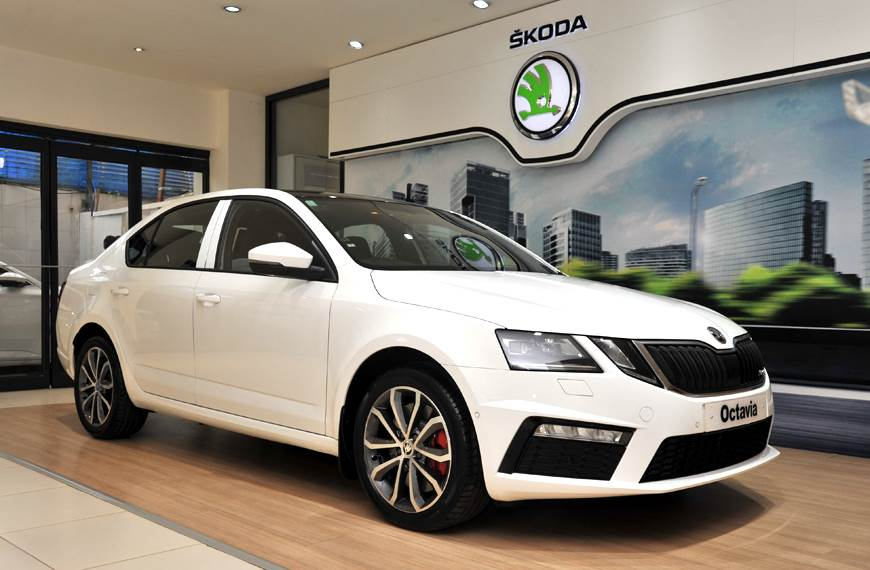 Skoda Octavia Rs Pricing Booking Status Delivery Back
