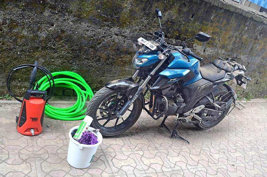 How to correctly clean your two-wheeler, bike and scooter