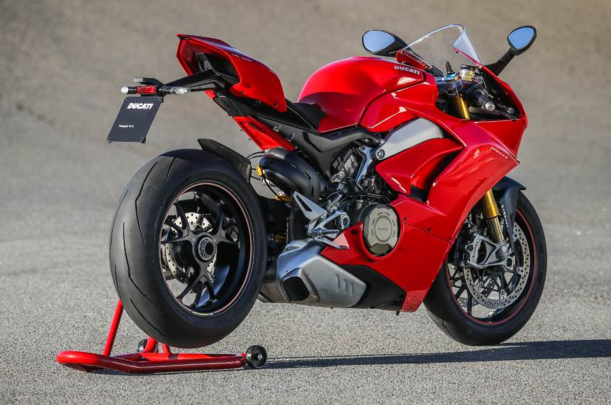 2018 Ducati Panigale V4 technology explained - Feature