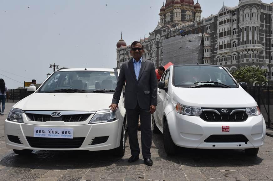 Pawan Goenka Md Mahindra With The E2o And E Verito