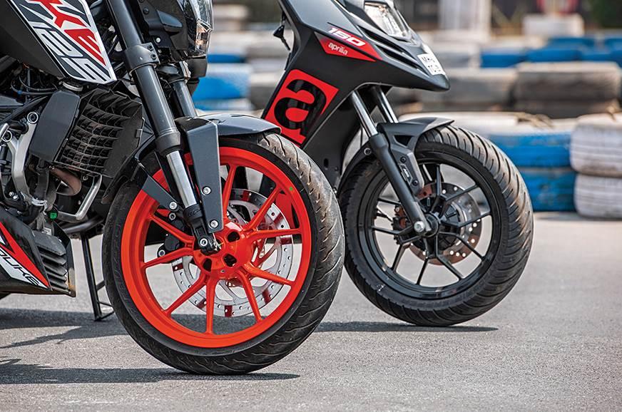 KTM 125 Duke vs Aprilia SR150: Which should be your first